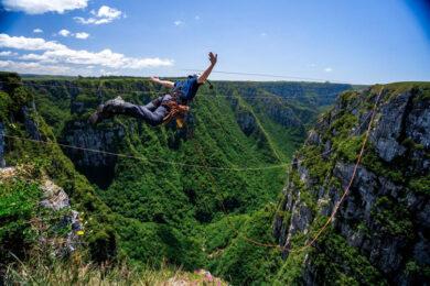 Salto-com-pêndulo-com-a-Natural-Extremos---@naturalextremobrasil